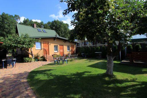 Dom od strony ogrodu